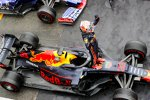 Max Verstappen (Red Bull) und Daniil Kwjat (Toro Rosso)