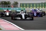 Valtteri Bottas (Mercedes), Daniil Kwjat (Toro Rosso), Antonio Giovinazzi (Alfa Romeo) und Lewis Hamilton (Mercedes)