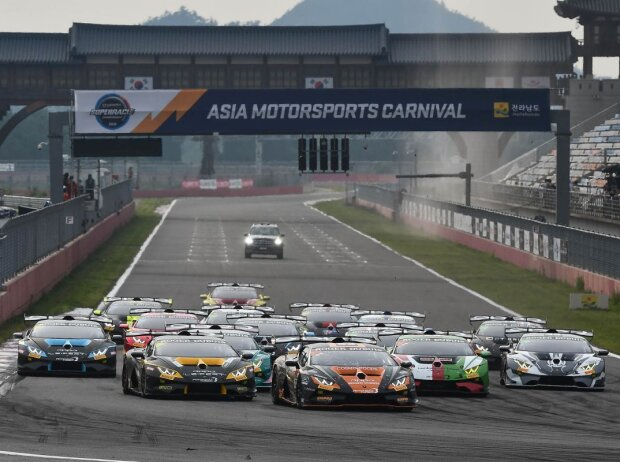 Start der Lamborghini Super Trofeo Asia 2019 in Yeongam