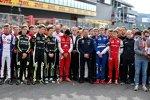 Gedenkminute für den verstorbenen Formel-2-Fahrer Anthoine Hubert.