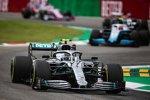 Valtteri Bottas (Mercedes) und Robert Kubica (Williams)