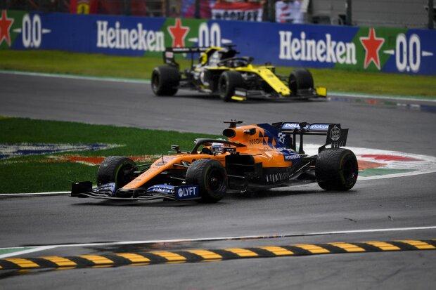 Carlos Sainz Nico Hülkenberg McLaren McLaren F1 Team F1 ~Carlos Sainz (McLaren) und Nico Hülkenberg (Renault) ~