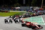 Charles Leclerc (Ferrari), Lewis Hamilton (Mercedes), Valtteri Bottas (Mercedes) und Sebastian Vettel (Ferrari)