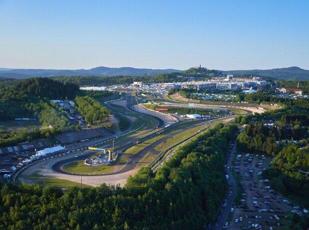 Der Nürburgring gibt auch 2018 Vollgas. Bei 50 Wochenendveranstaltungen findet jeder sein Wunschevent