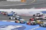 Crash: Alex Bowman (Hendrick), Erik Jones (Gibbs) und Denny Hamlin (Gibbs)