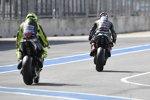 Valentino Rossi hinter Fabio Quartararo (Petronas Yamaha)