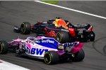 Sergio Perez (Racing Point) und Max Verstappen (Red Bull)