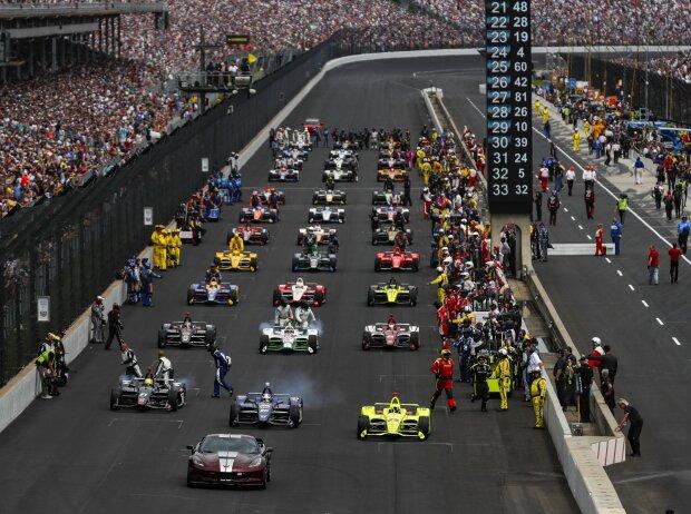 Startaufstellung zum Indy 500 2019