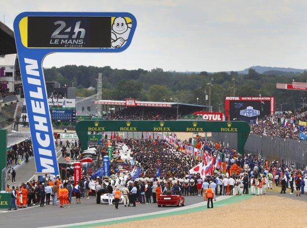 Startaufstellung für die 24h Le Mans 2019