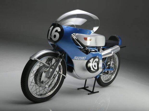 Suzuki RT67