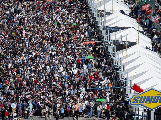 24h Daytona, Zuschauer, Fans, Startaufstellung