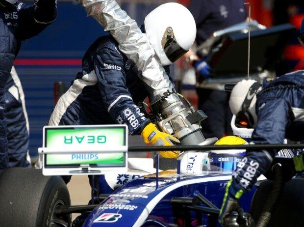Nico Rosberg, Nachtanken