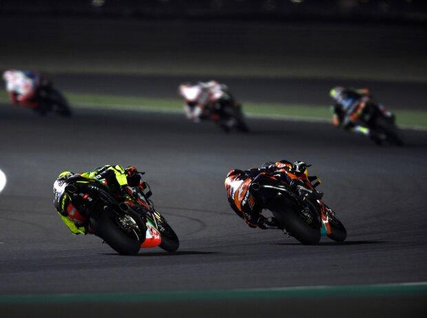 Renn-Action beim GP Katar 2019 unter Flutlicht