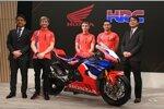 Yoshishige Nomura (HRC-Präsident), Alvaro Bautista, Jaume Colom (Teammanager), Leon Haslam und Noriaki Abe (Honda-Manager)
