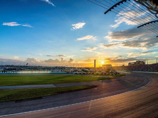 Homestead-Miami Speedway Sonnenuntergang