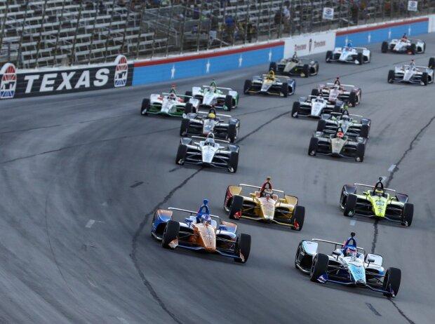 Start zum DXC Technology 600 der IndyCar-Serie 2019 in Fort Worth