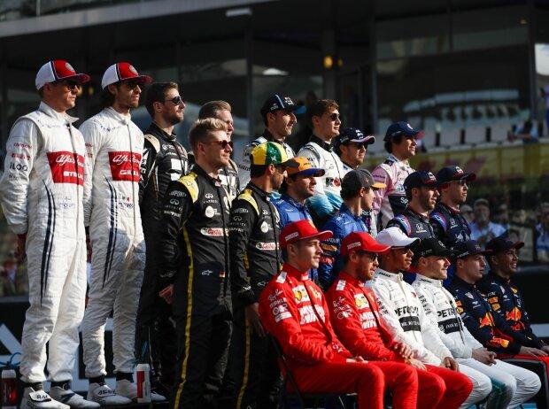 Kimi Räikkönen, Antonio Giovinazzi, Romain Grosjean, Kevin Magnussen, Robert Kubica, George Russell, Sergio Perez, Lance Stroll, Nico Hülkenberg, Daniel Ricciardo, Carlos Sainz, Lando Norris, Pierre Gasly, Daniil Kwjat, Charles Leclerc, Sebastian Vettel,