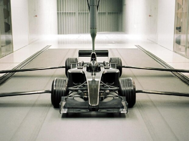 Formel-1-Auto im Windkanal