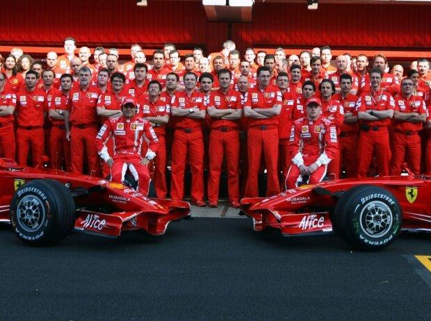 Ferrari-Teamfoto 2008