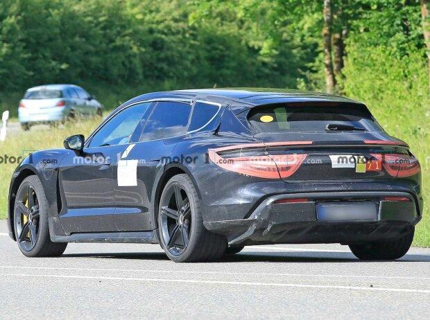 Porsche Taycan Cross Turismo neue Erlkönigbilder