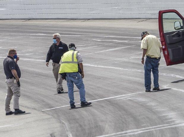 Weeper: Undichte Stellen im Asphalt auf dem Pocono Raceway
