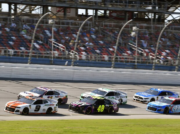 Pack-Racing im Training in Talladega 2019