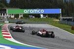 Antonio Giovinazzi (Alfa Romeo) und Kimi Räikkönen (Alfa Romeo)