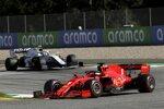 Sebastian Vettel (Ferrari) und Nicholas Latifi (Williams)