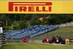 Alexander Albon (Red Bull) und Sebastian Vettel (Ferrari)