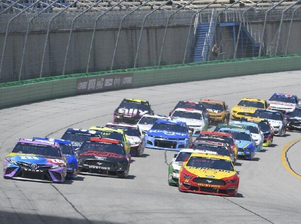 Start zum Quaker State 400 auf dem Kentucky Speedway 2020