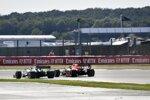 Romain Grosjean (Haas) und Max Verstappen (Red Bull)