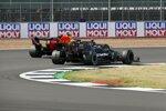 Valtteri Bottas (Mercedes) und Max Verstappen (Red Bull)
