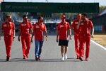 Sebastian Vettel (Ferrari) und Marc Gene