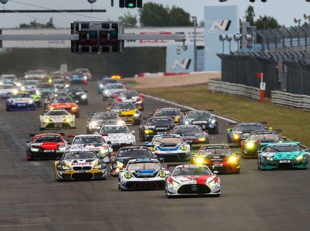 Start der VLN 2020 auf dem Nürburgring