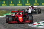 Charles Leclerc (Ferrari) und Antonio Giovinazzi (Alfa Romeo)