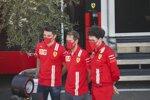 Charles Leclerc (Ferrari), Sebastian Vettel (Ferrari) und Mattia Binotto