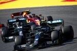 Valtteri Bottas (Mercedes), Lewis Hamilton (Mercedes) und Carlos Sainz (McLaren)