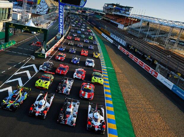 Gruppenfoto: Alle Autos für die 24h Le Mans 2020