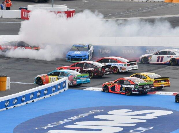 Massencrash beim NASCAR-Rennen auf dem Charlotte-Roval 2019