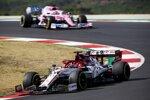 Kimi Räikkönen (Alfa Romeo) und Sergio Perez (Racing Point)