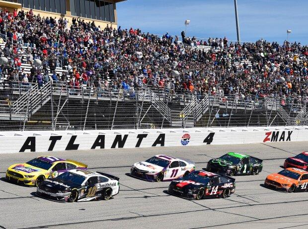 NASCAR-Action auf dem Atlanta Motor Speedway