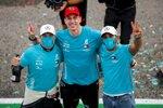 Valtteri Bottas (Mercedes), Toto Wolff und Lewis Hamilton (Mercedes)