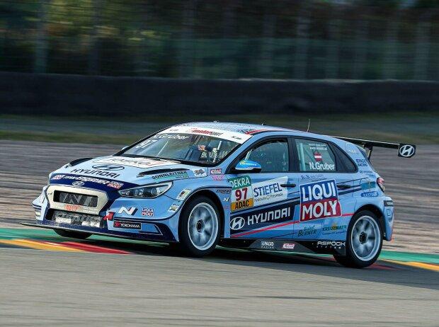 Nico Gruber in seinem Hyundai i30 N TCR