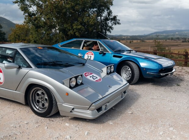 Lamborghini Jarama GTS und einem Countach 25° Anniversario bei Modena Cento D'Ore 2020