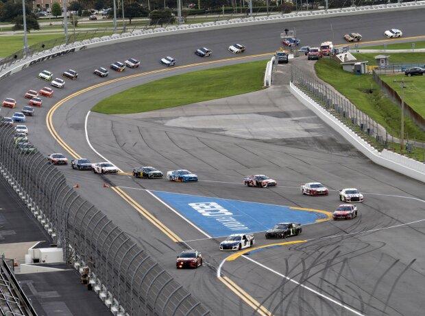 Pace-Car-Phase auf dem Daytona-Rundkurs