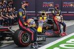 Alexander Albon (Red Bull) und Max Verstappen (Red Bull)