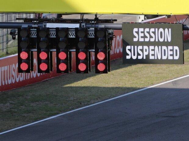 Rote Formel-1-Startampel in Mugello