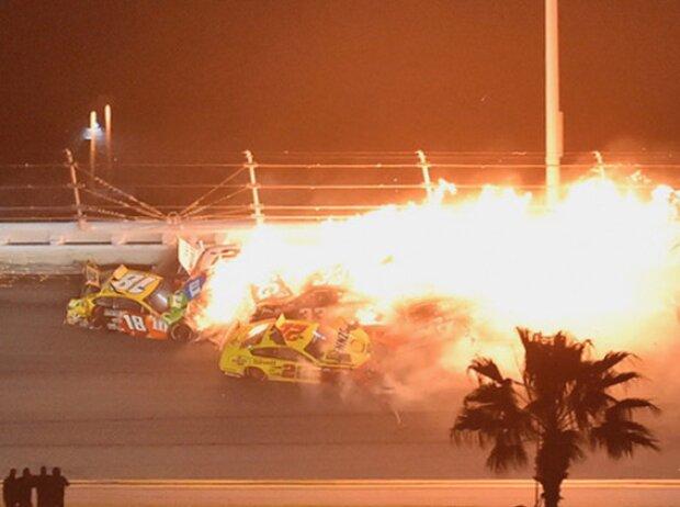 Big One: Massencrash in letzter Runde beim Daytona 500 des Jahres 2021