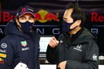 Sergio Perez (Red Bull) und Mark Thompson