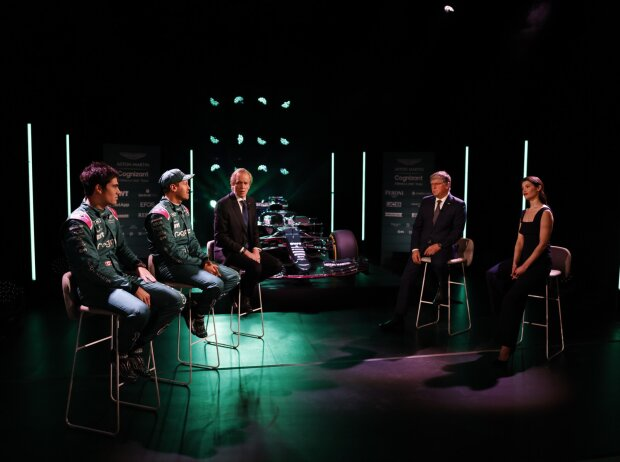 Lance Stroll, Sebastian Vettel, Andrew Green, Otmar Szafnauer und Gemma Arterton beim Launch des Aston Martin AMR21